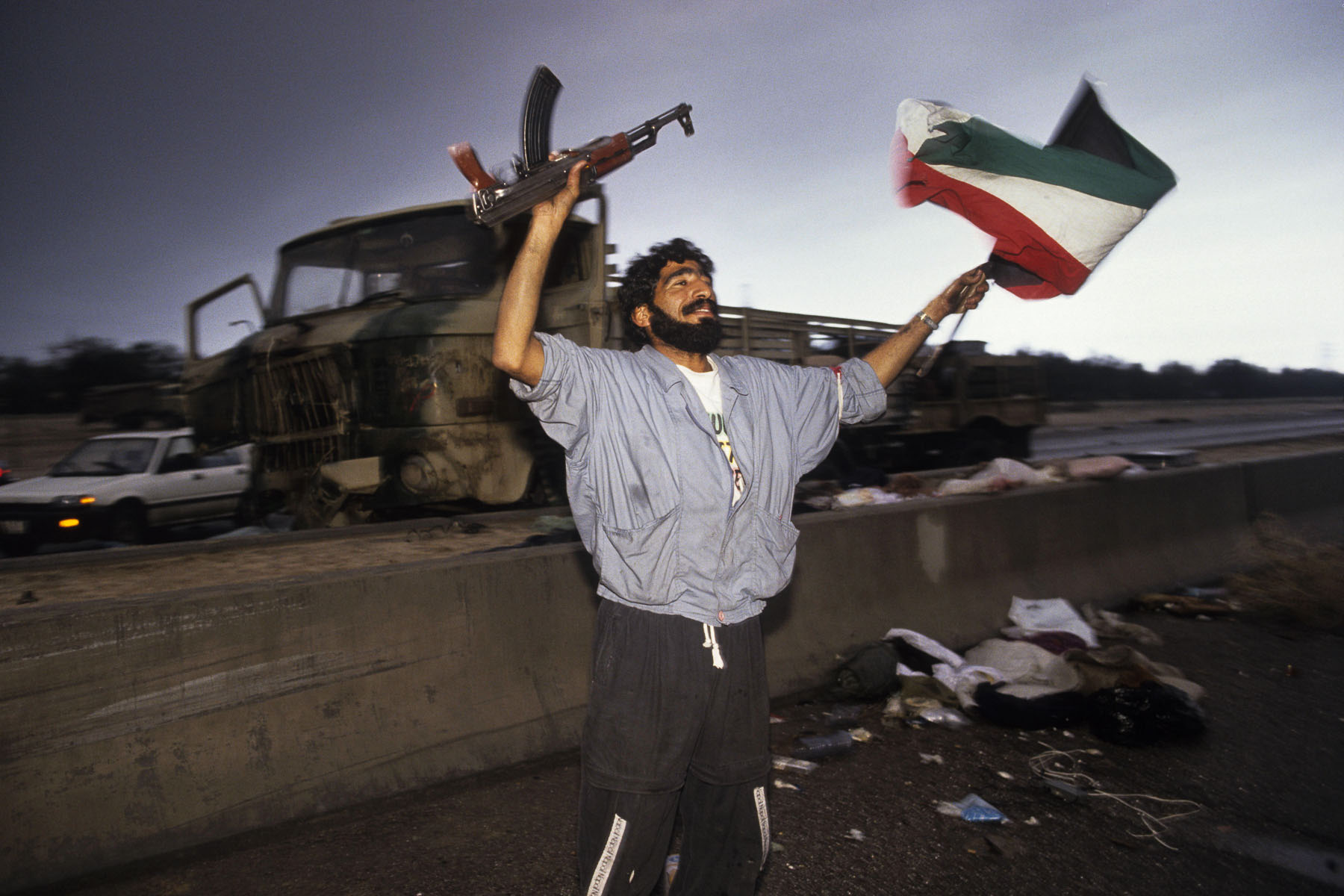 A Kuwaiti acclaims the arrival of the coalition troops in February 1991