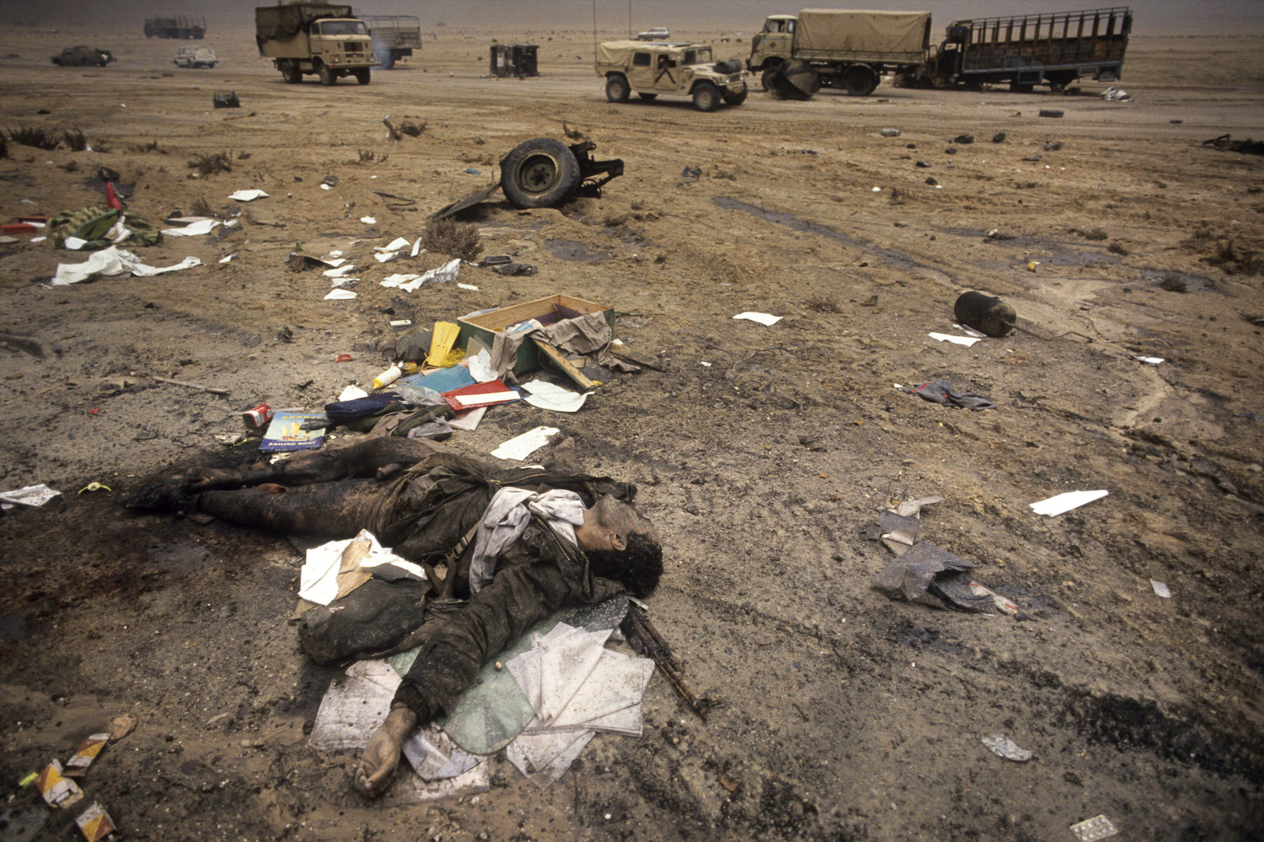 An Iraqi corpse on the road to Basra bombarded by the U.S. air force during the Iraqi forces retreat in February1991