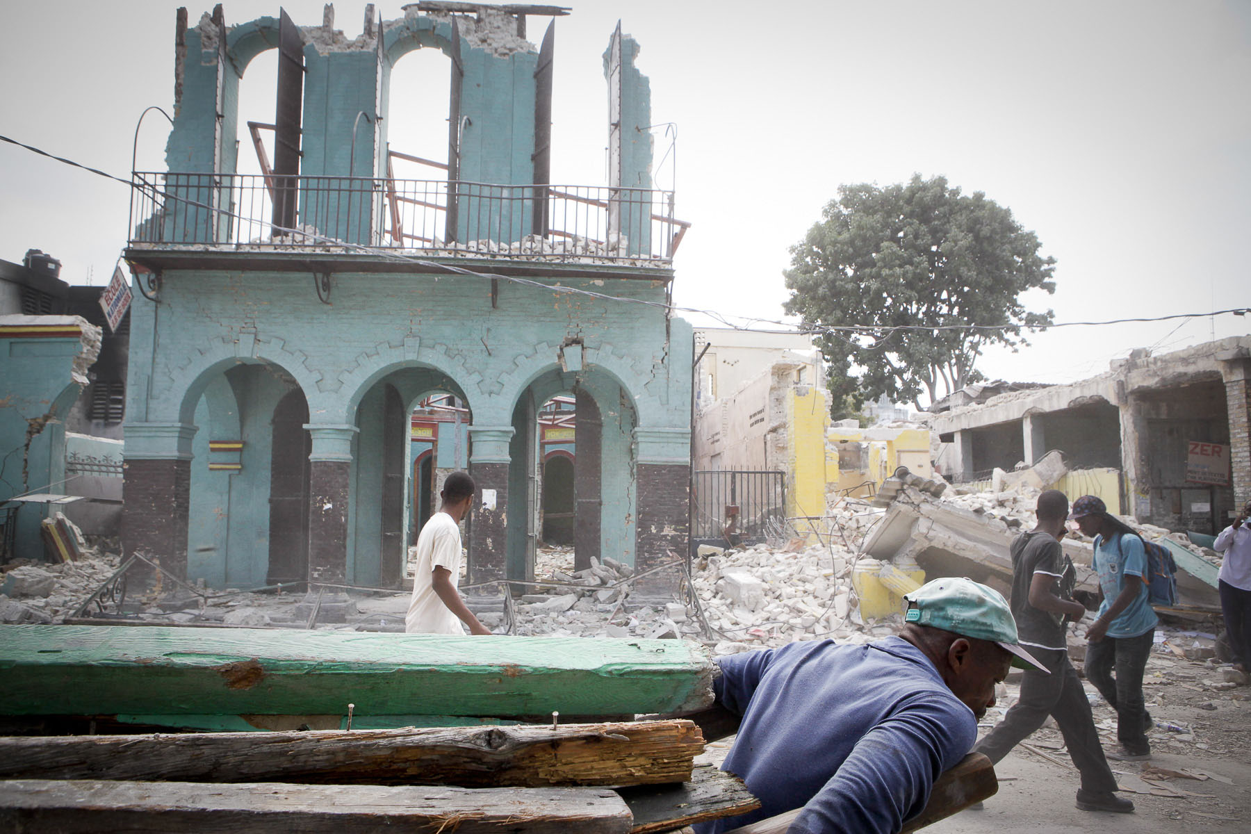 A school destroyed in the city center on February 4, 2010