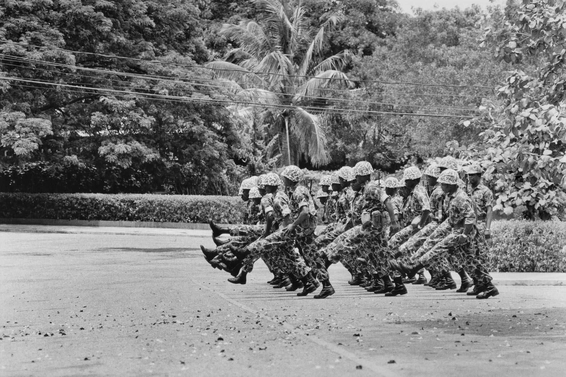 Soldiers of the Leopard special unit drilling in their barracks in August 1986