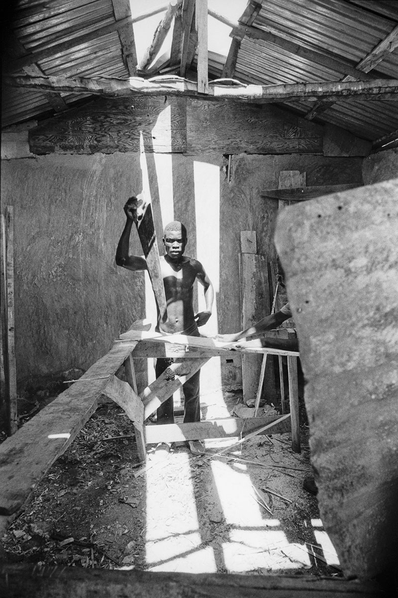 A carpenter in the shantytown of Raboteau in August 1986