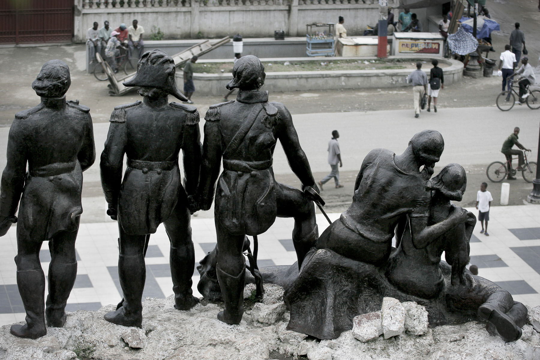Monument to the Heroes of the Nation: Capois, Dessalines and Christophe in October 2003