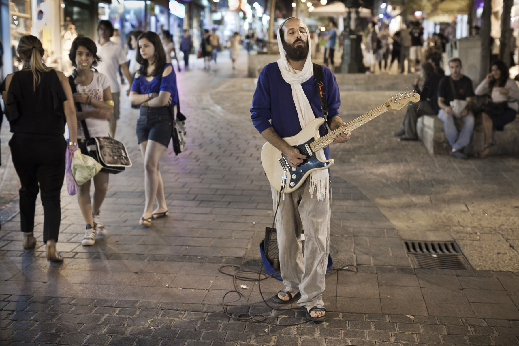 A musician in the Ben Yehuda Street in October 2010