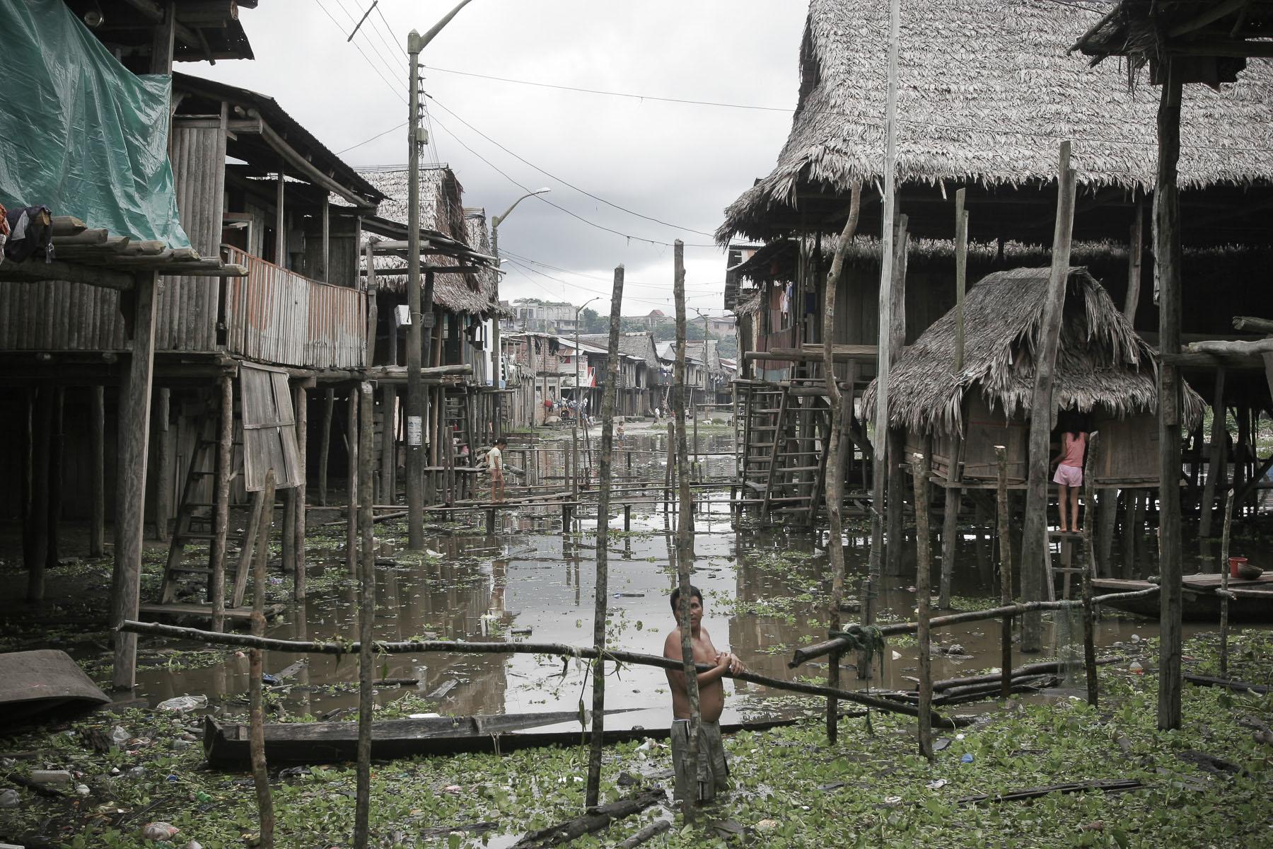 Belém, a shanty town built on the Amazon River on April 2005