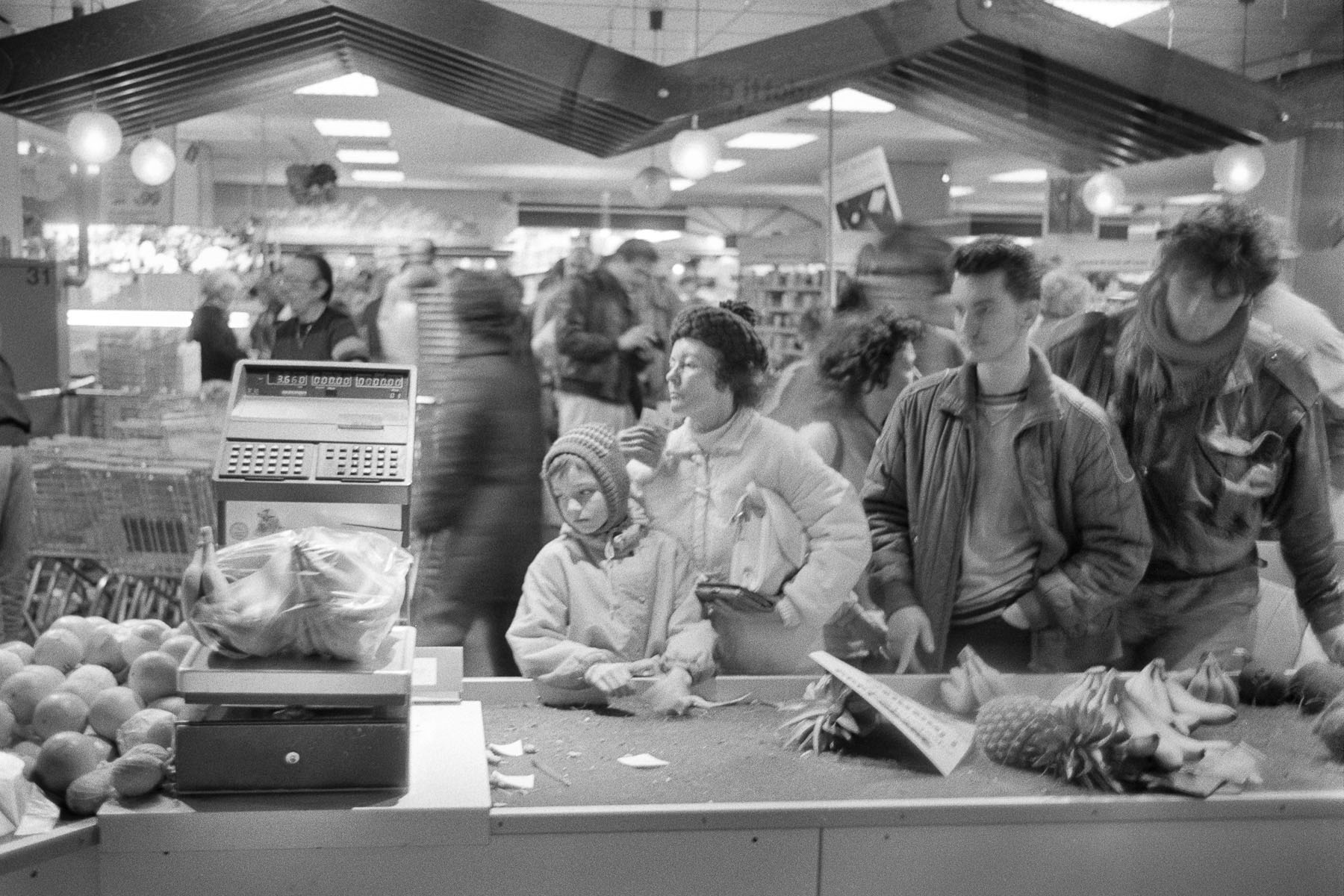 Prague inhabitants in a state store in November 1989