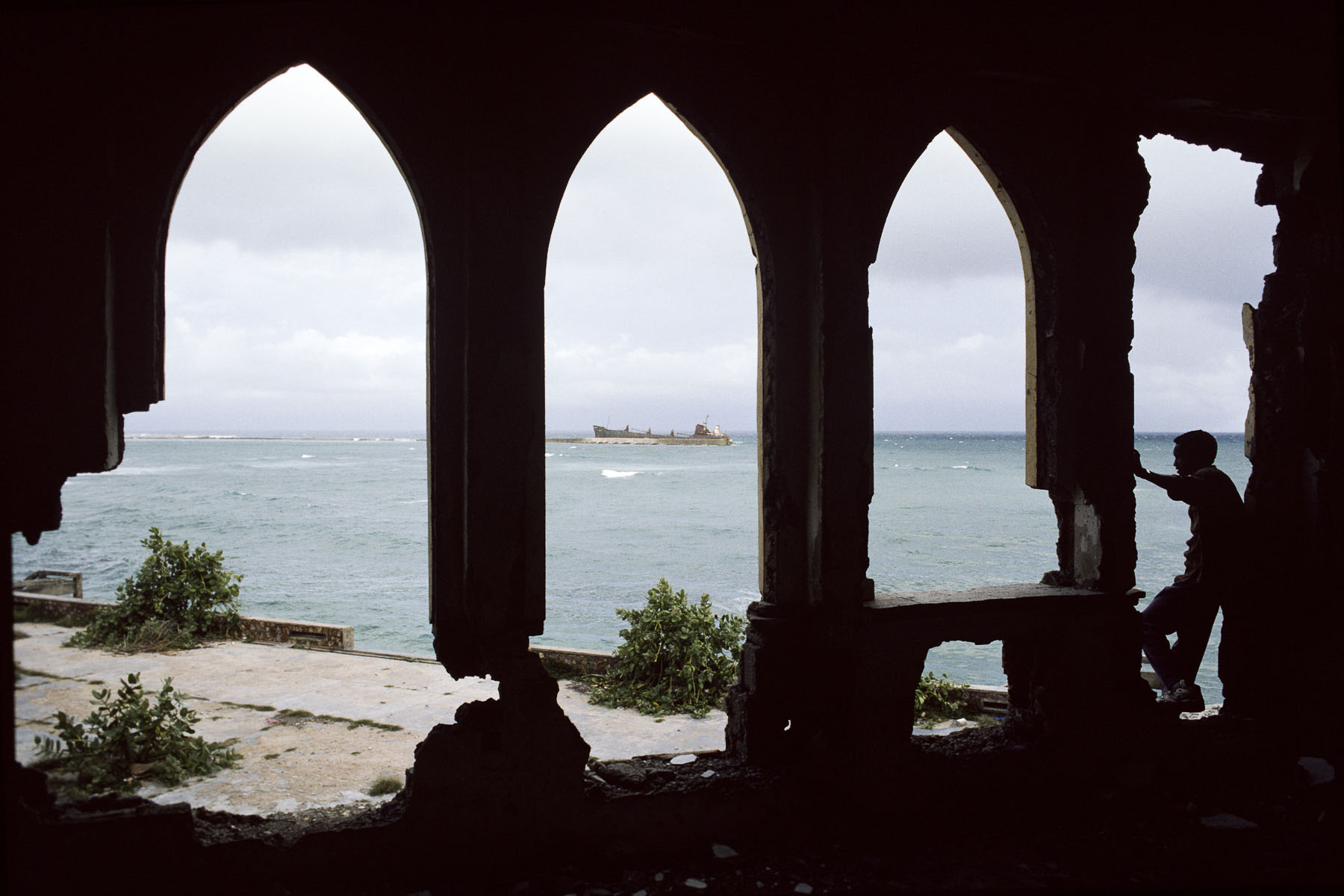 Ruins of the Mogadishu port in July 1992