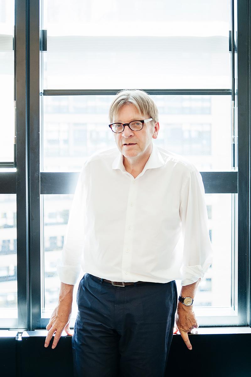 Guy-Verhofstadt-Adrian-Hancu-Photographe-Strasbourg-Parlement-Europeen