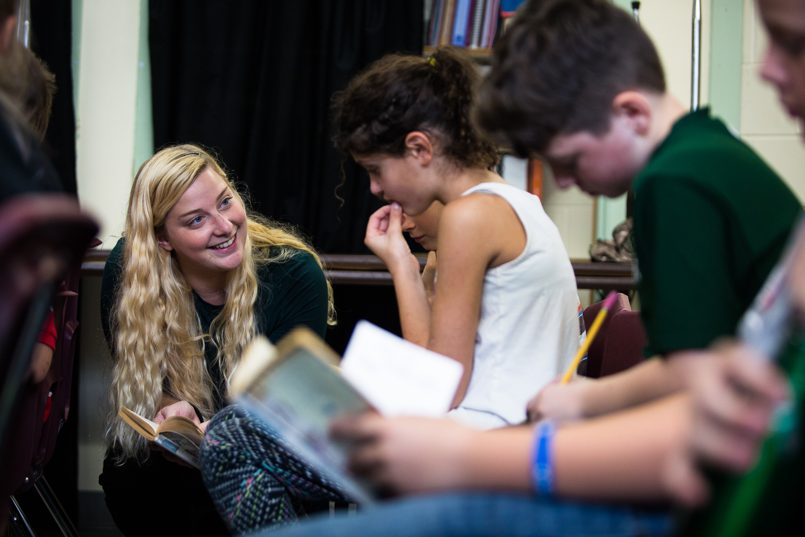 Teacher Cassie Underwood talks to her fifth grade students during a Global Read Aloud exchange with a class in New York, at Fletcher Elementary in Fletcher, Vermont on Thursday, October 20, 2016. by Monica Donovan for the George Lucas Educational Foundation