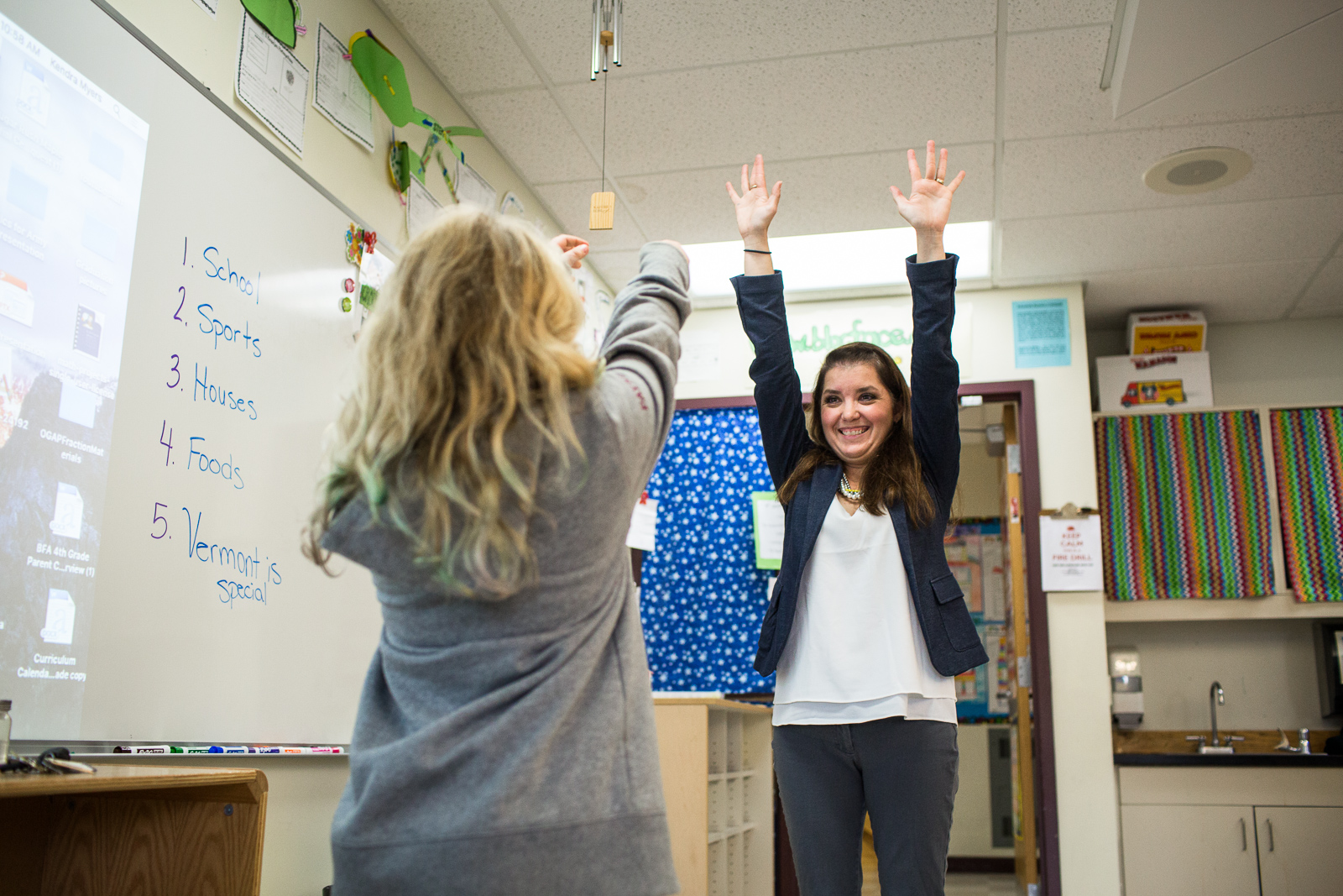 Teacher Kendra Myers and her fourth grade Bellows Free Academy class in Fairfax, Vermont before an exchange with a classroom in Tunisia on Thursday, October 20, 2016. by Monica Donovan for the George Lucas Educational Foundation