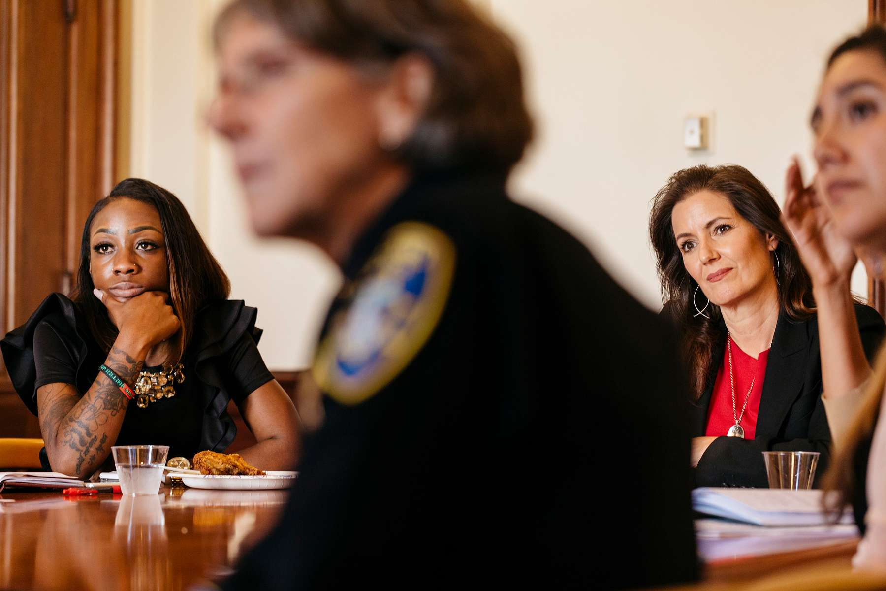 Oakland Mayor Libby Schaaf joins a youth led community roundtable discussion organized by Mya Whitaker, far left, of the Bay Area Urban Debate League on Thursday, June 22, 2017 in City Hall in Oakland, CA. Joining them are Police Chief Anne Kirkpatrick. They discussed issues ranging from police misconduct to summer jobs for students.
