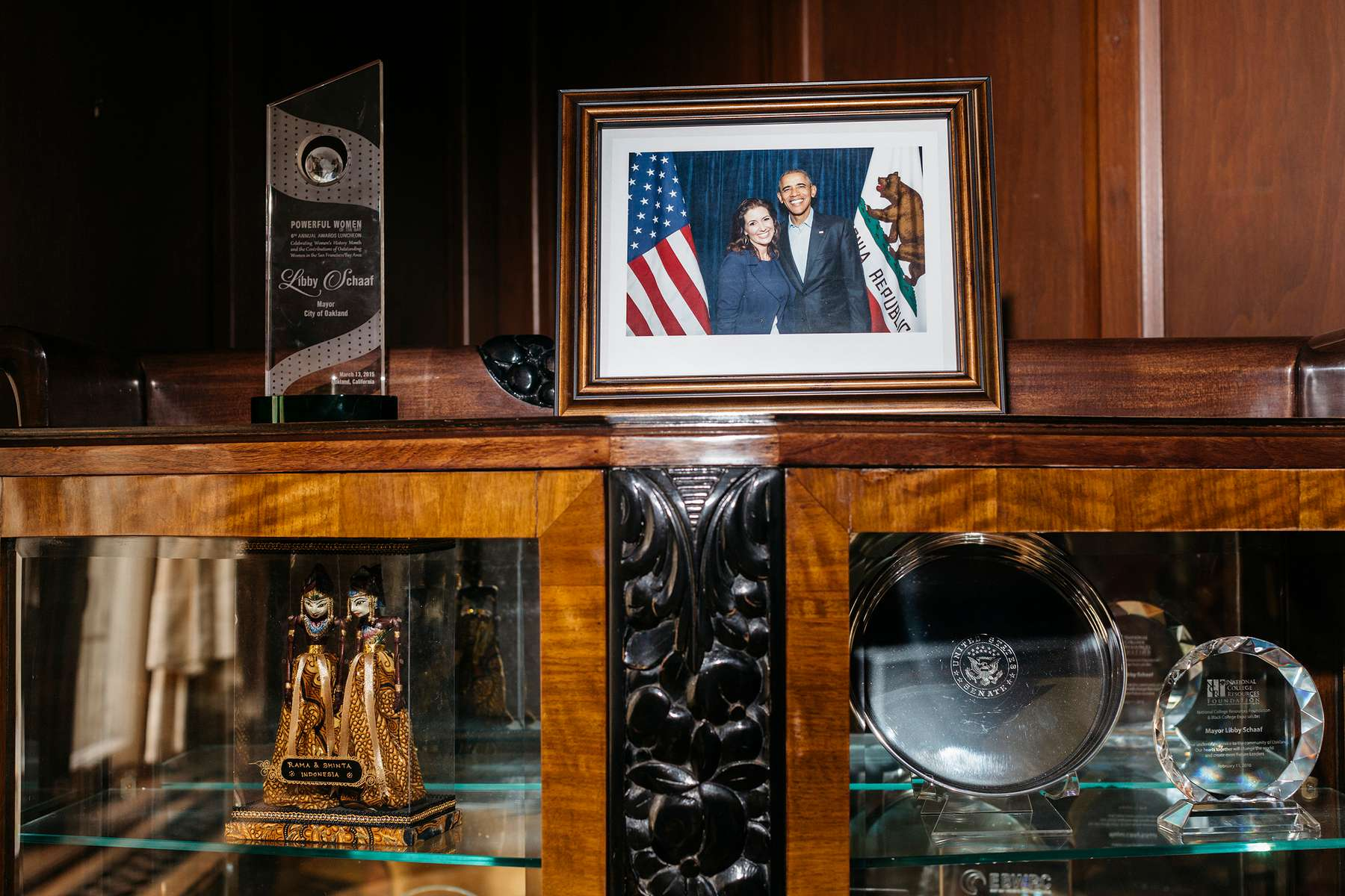 A framed photograph of Oakland Mayor Libby Schaaf and President Obama sits framed in her office on Wednesday, June 28, 2017 in City Hall.