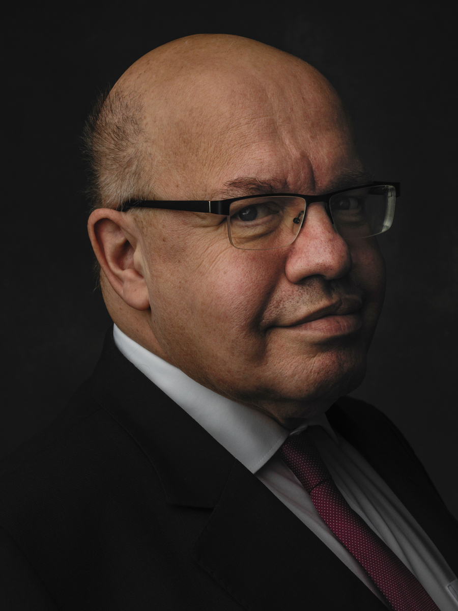 Peter Altmaier, German Federal Minister for Economic Affairs and Energy (CDU) stands for a brief portrait before talks with journalists.