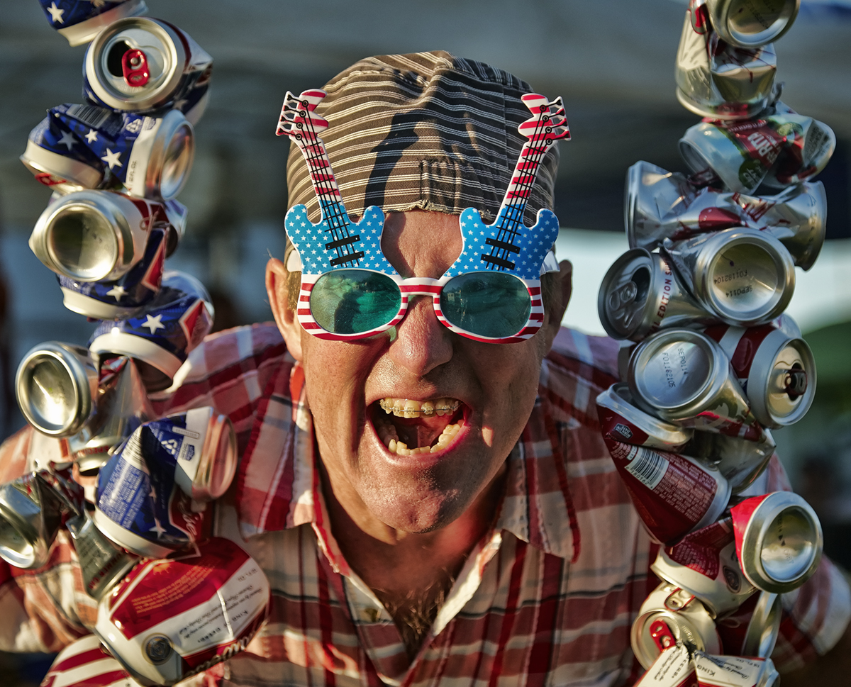 indy2014_beerTower_guy1200