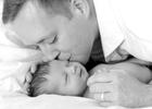 Schenker_daddy_newborn_web