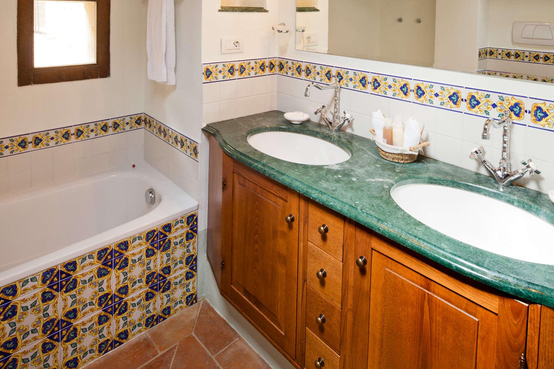 Caravaggio Bathroom