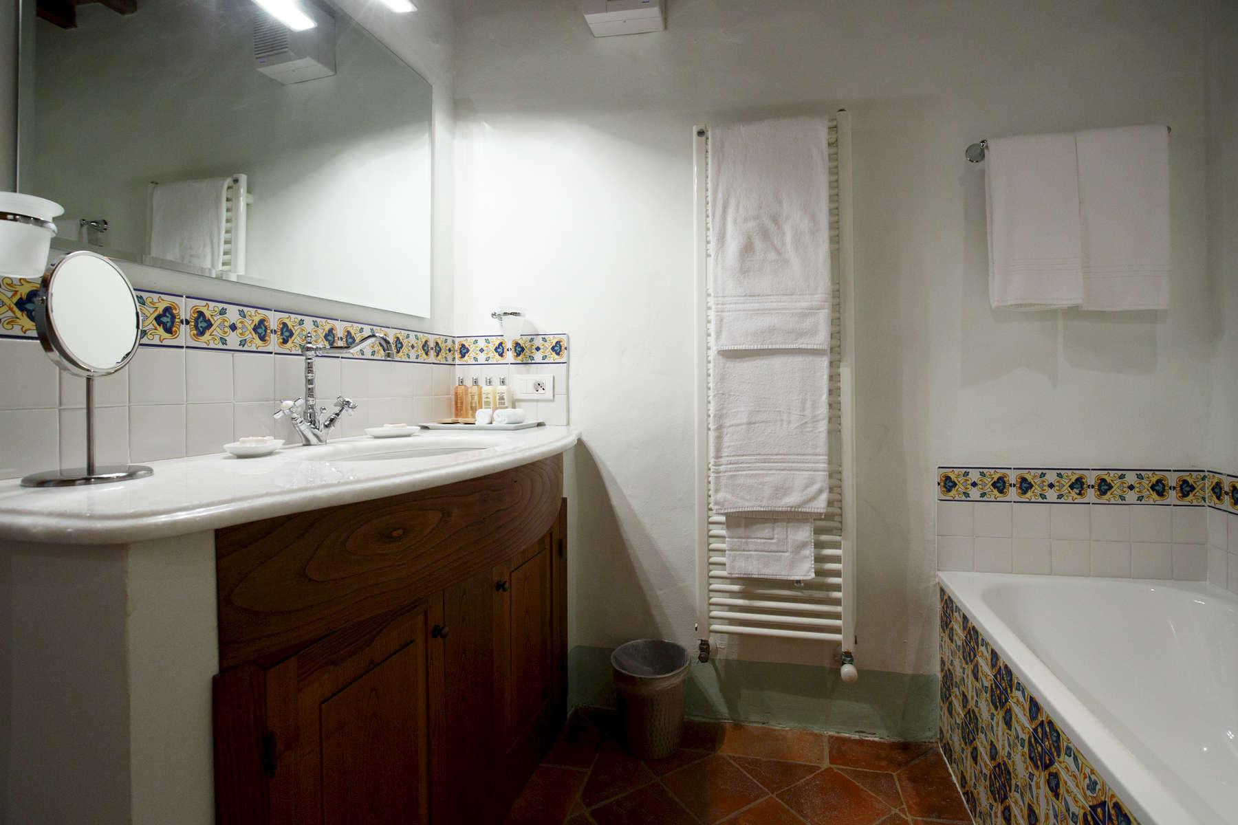 Duccio Bathroom