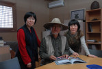 Left to right: Han Young-sook with painter and photographer Paek Ja-won and Ko Kyung-hee.