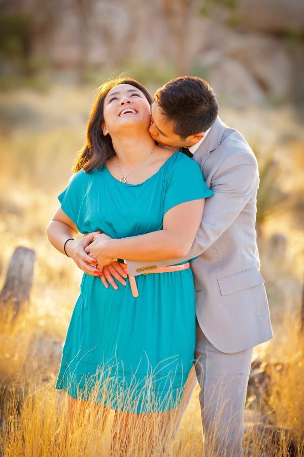 Joshua_Tree_National_Park_Engagement_Session_at_Sunset_004
