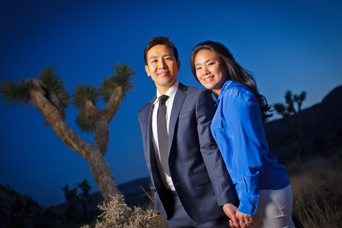 Joshua_Tree_National_Park_Engagement_Session_at_Sunset_024