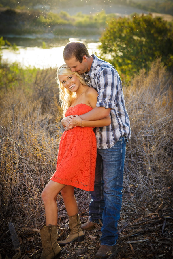 Peters_Canyon_Regional_Park_engagement_session_with_natural_light_at_sunset_018