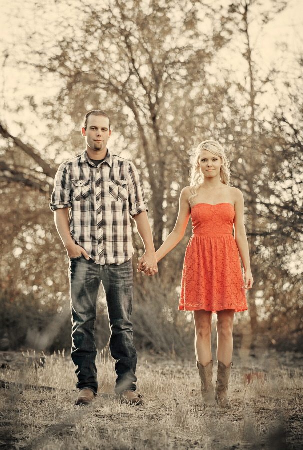 Peters_Canyon_Regional_Park_engagement_session_with_natural_light_at_sunset_021
