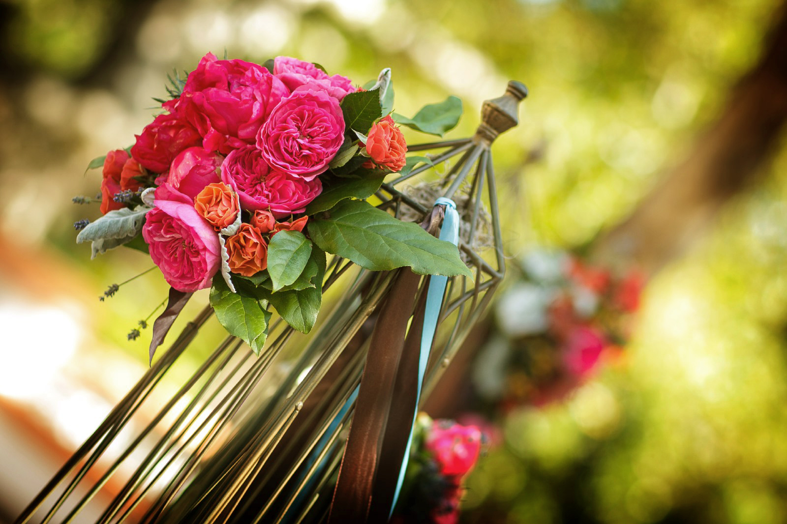 square-root-centerpiece-with-red-flowers