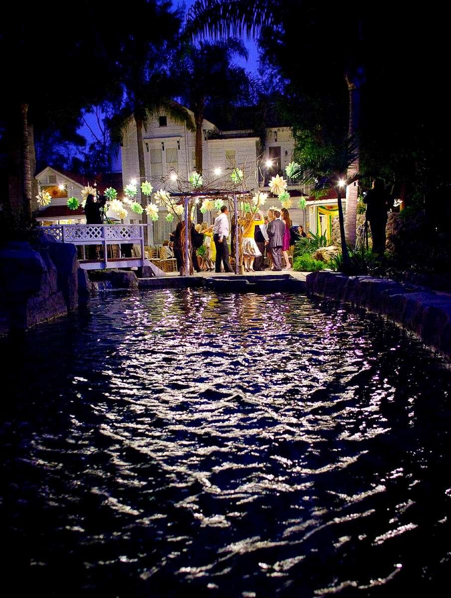 the-jones-victorian-outdoor-reception-area