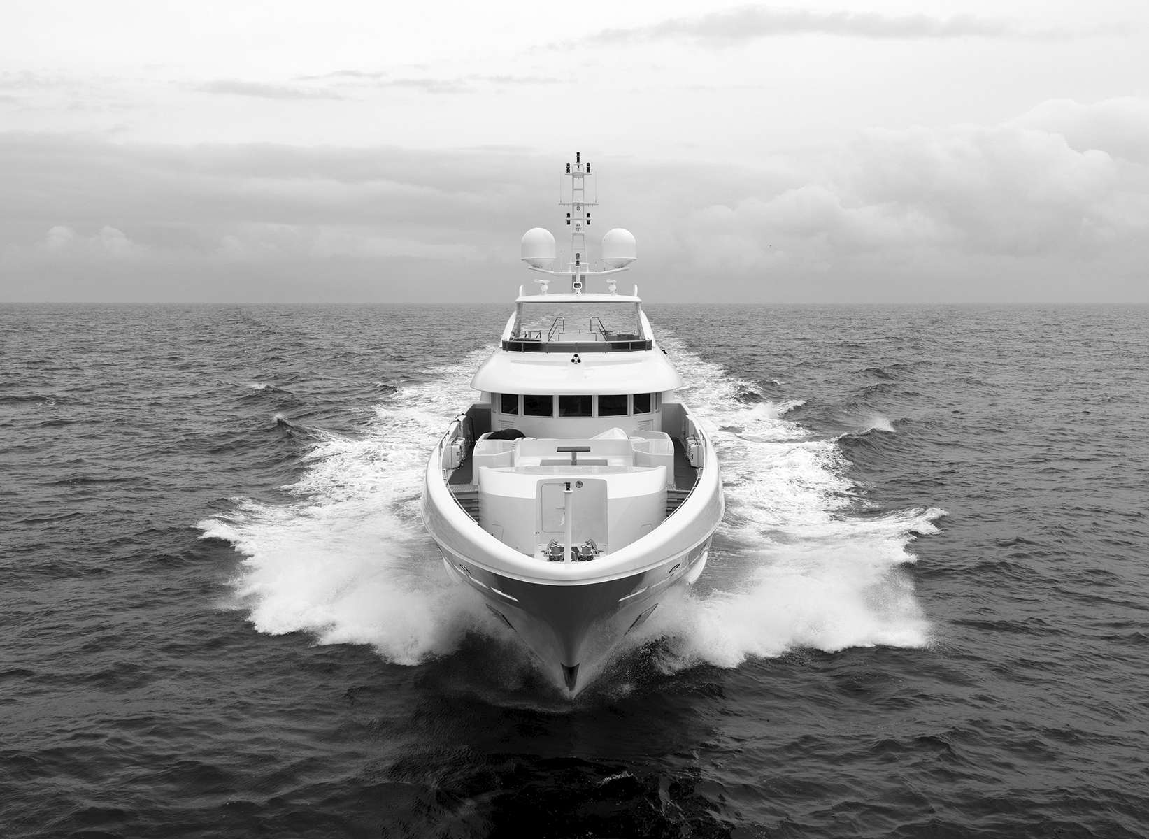 Heesen yachtsSeatrials at the North Sea, June 2012.Image taken with Hasselblad H3DII-50