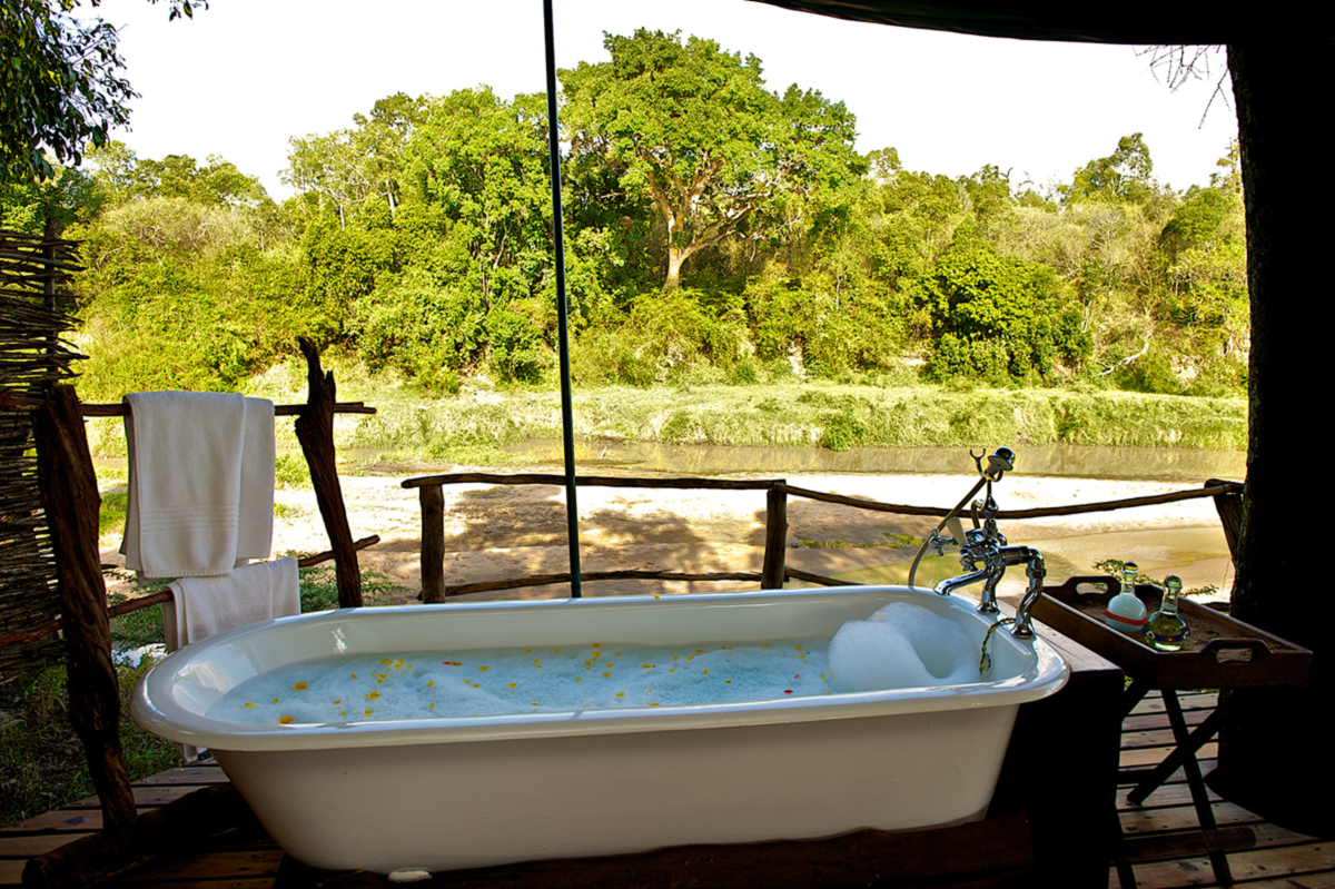 Mara Explorer Bathtub