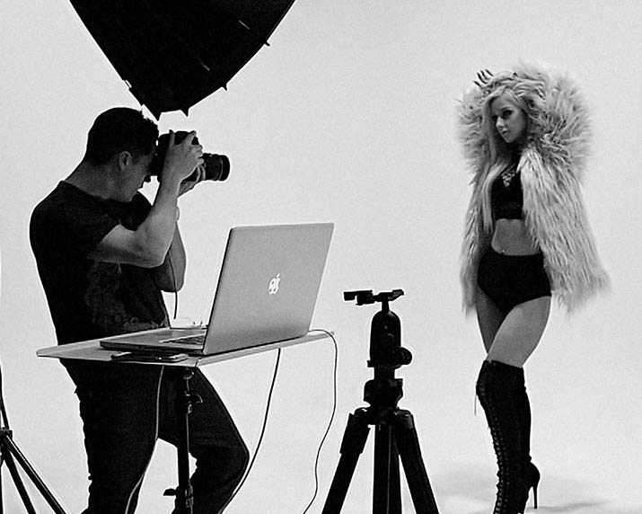 BTS_commercial_photographer_paul_christey_dj_brooklyn_shoot_crop_low-res
