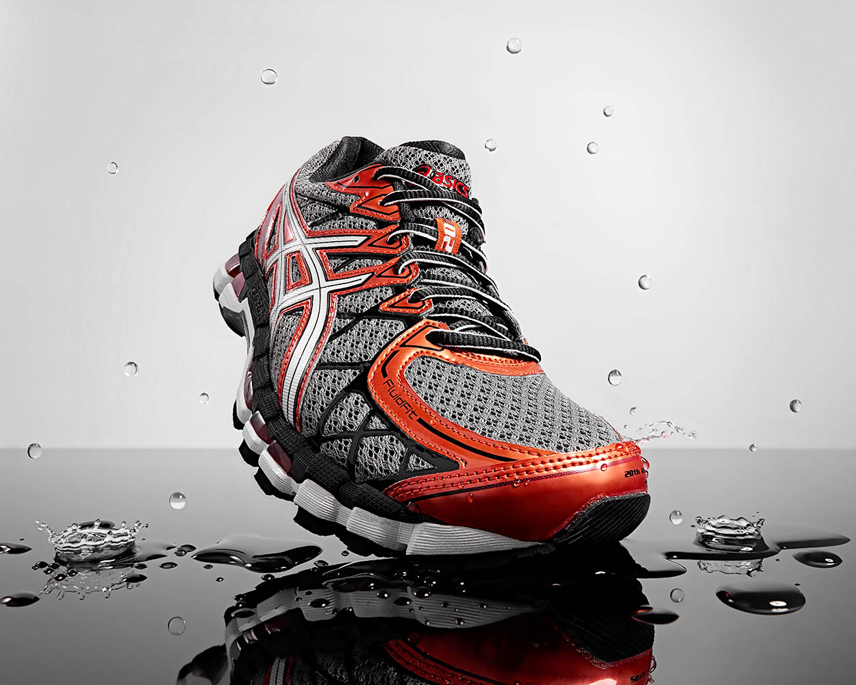 paul_christey_photography_brisbane_product_asics_trainer_low-res