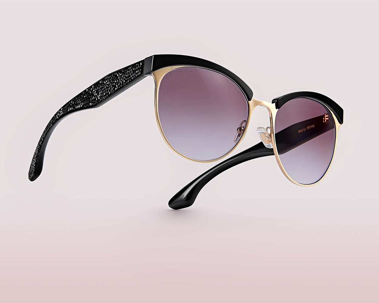 paul_christey_photography_brisbane_product_miu_miu_sunglasses_low-res