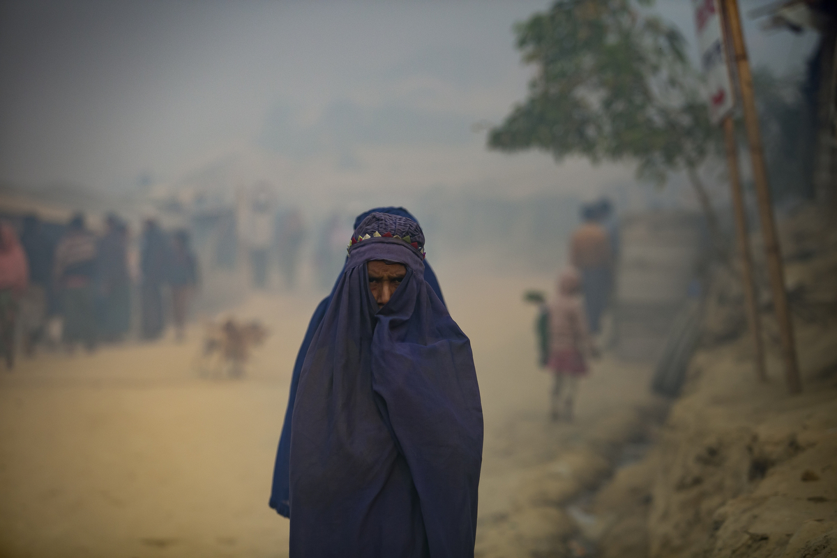 A woman is seen In Balukhali Rohingya Refugee camp February 1, 2018 in Chittagong district, Bangladesh. UN Women/Allison Joyce