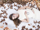 A relaxed Winter outdoor pregnancy portrait by Nemi.