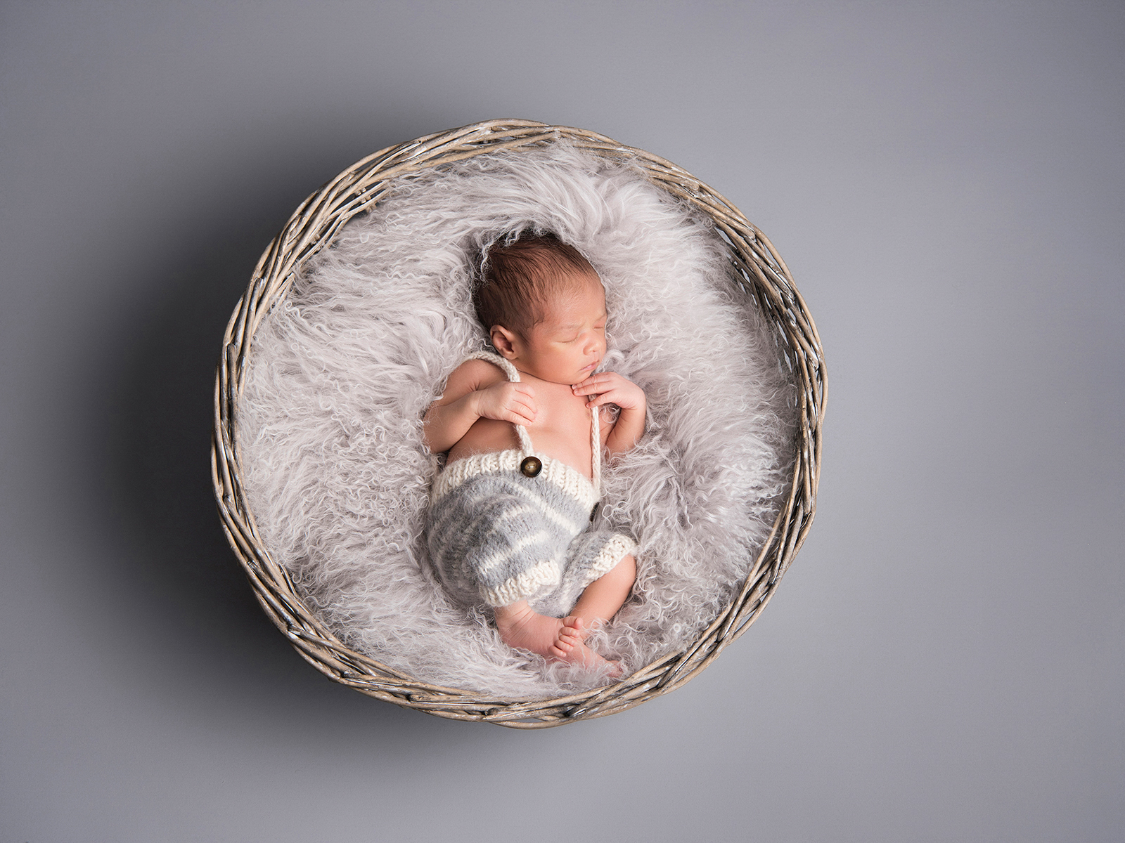 newborn-baby-photoshoot-London-2
