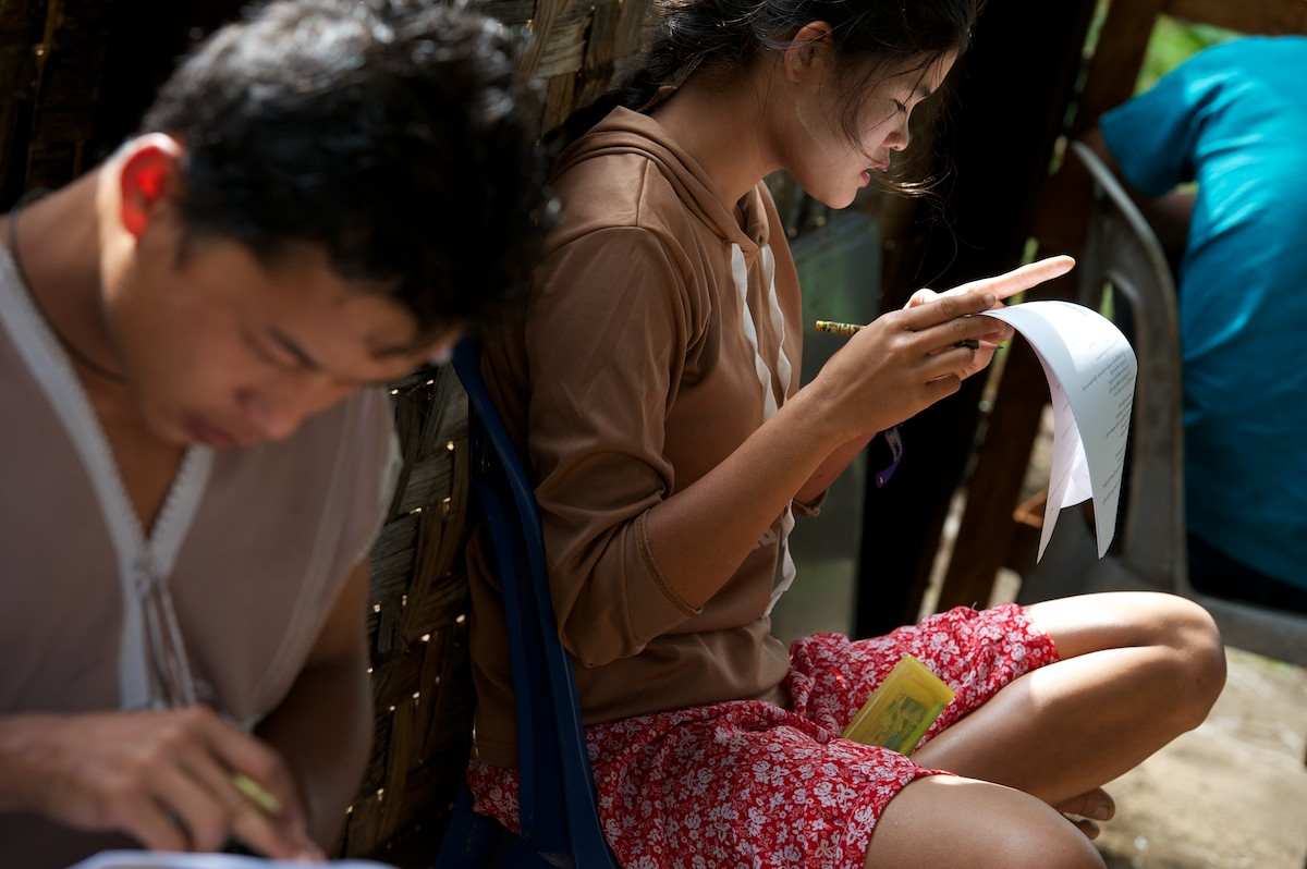 Students at the Free Burma Ranger Jungle School of Medicine Kawthoolei take their final medical exam. The exam was offered in English, Burmese and Karen to accommodate the needs of the 20 enrolled students in the 2011-2012 program.