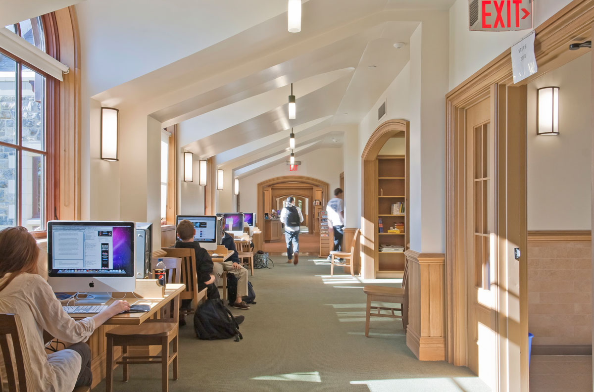 Computer research carrels line the second floor corridors adjacent to the main reading room