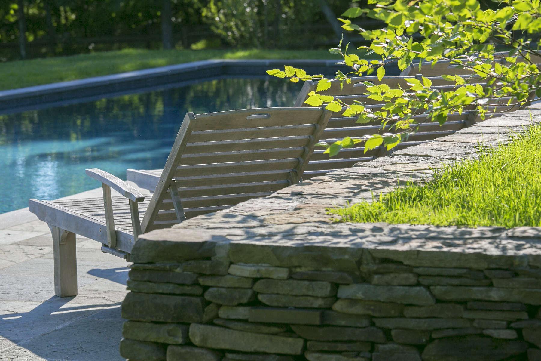 pool-chairs1