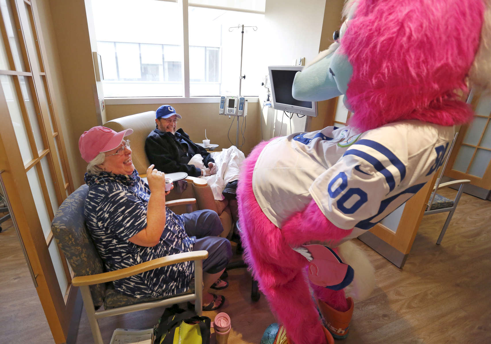 Members of the Indianapolis Colts visit patients at the IU Health Simon Cancer Center Tuesday October 11, 2016. Chris Bergin / IU Health Visual Media