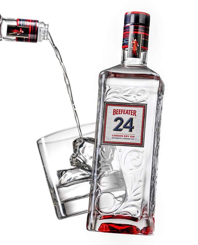 Beefeater-24-white-background-and-glass