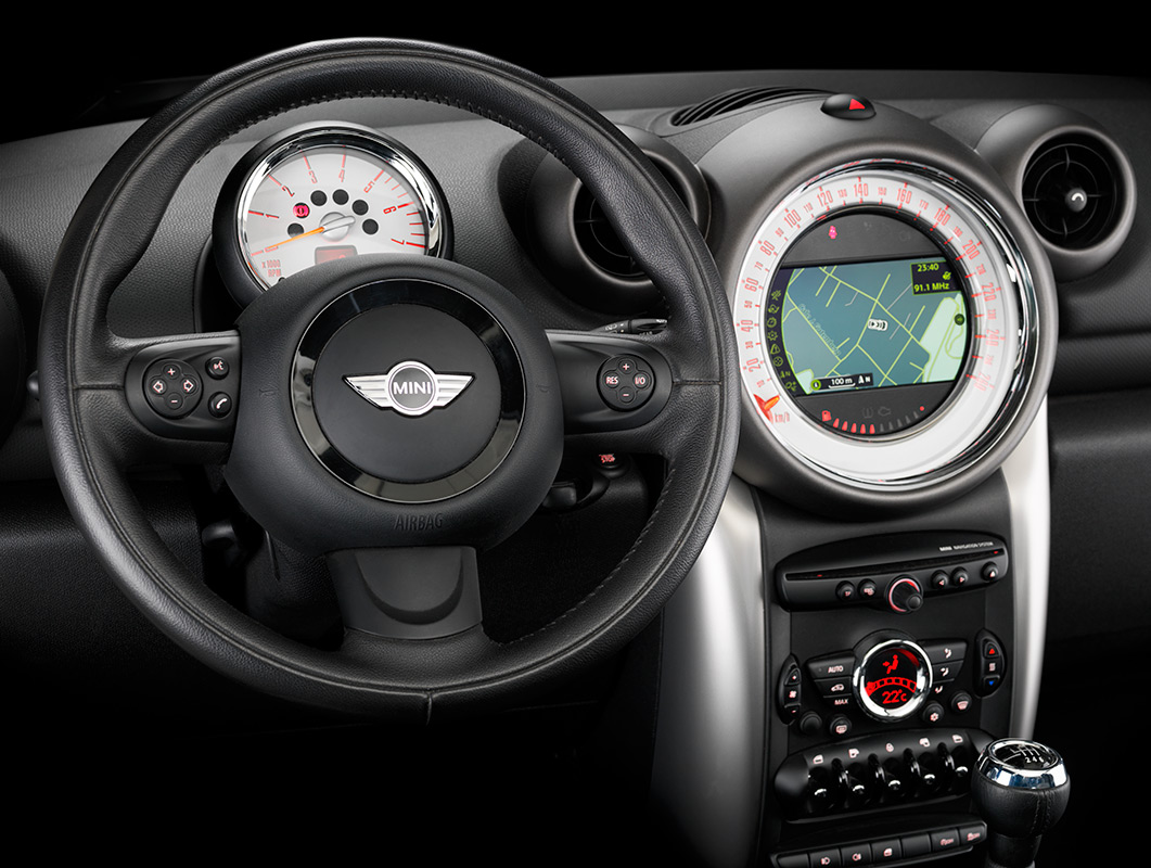 Mini-Cooper-Country_dashboard