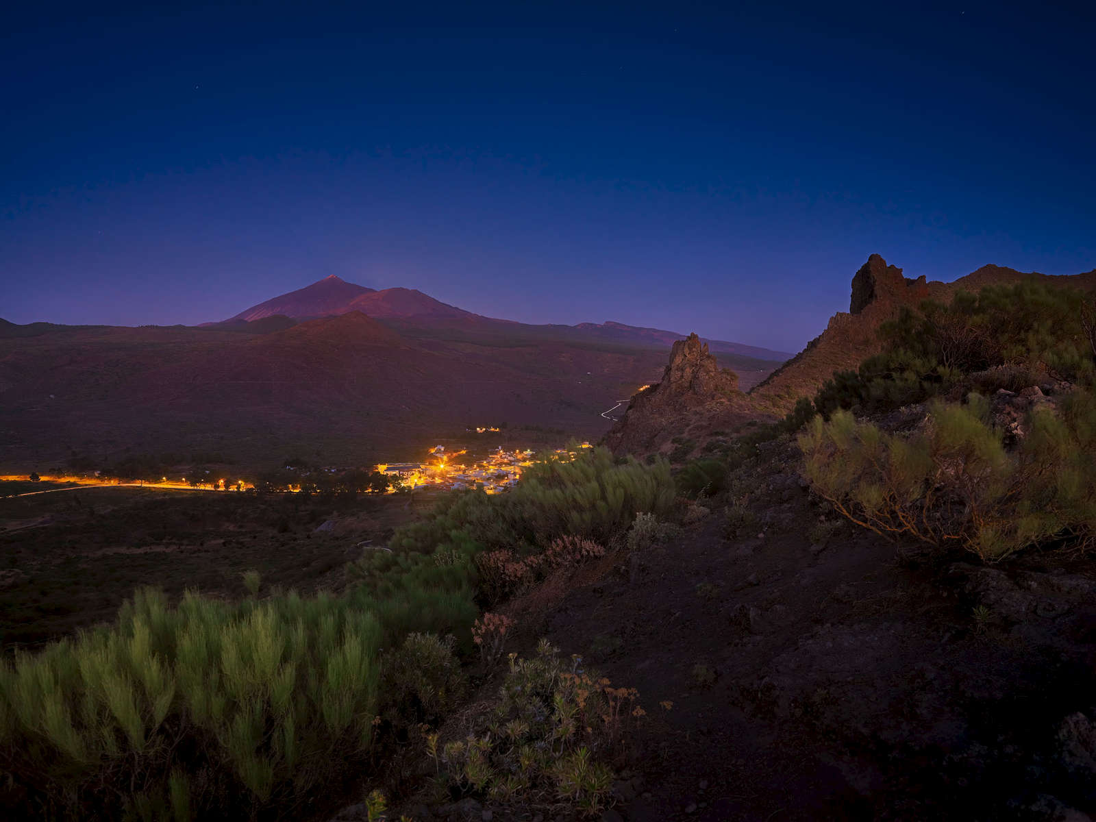 Santiago del Teide after sunset