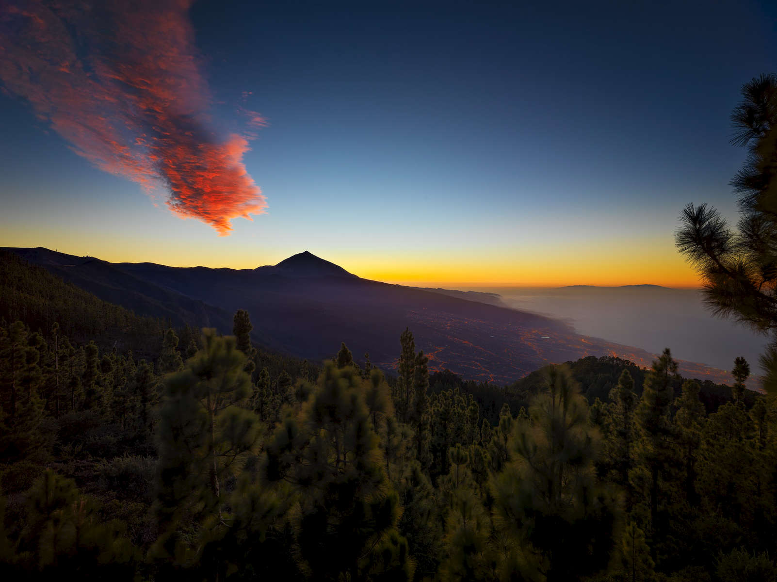 Sunset of the tops of Tenerife