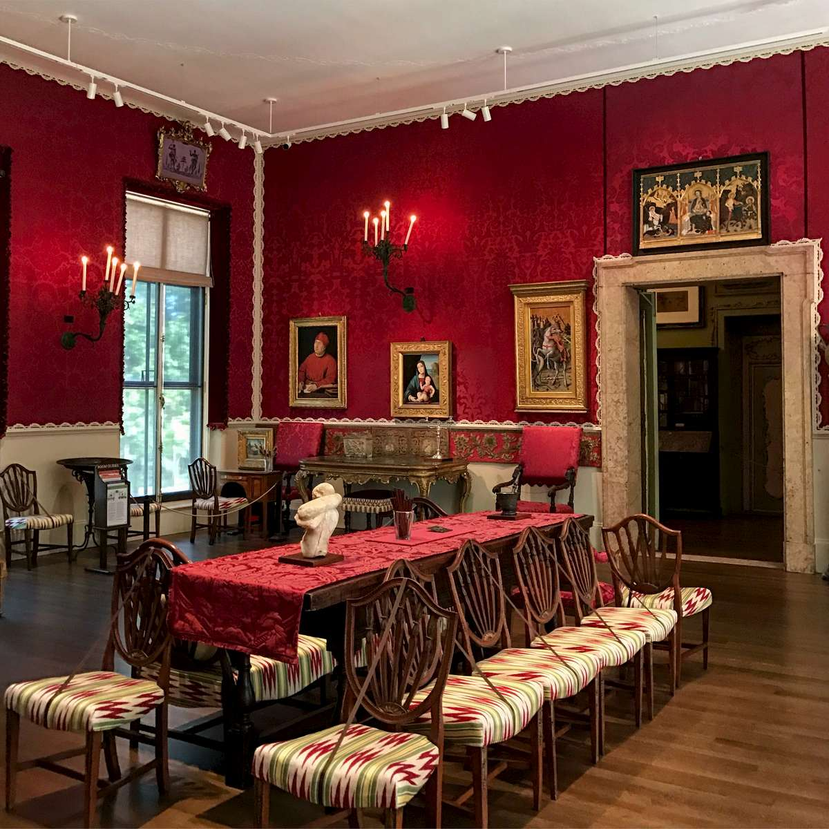IKD has been retained by the Gardner Museum for the LED lighting upgrade project for the Museum. The Raphael room was the first gallery in a phased plan to upgrade all lighting in the Museum.