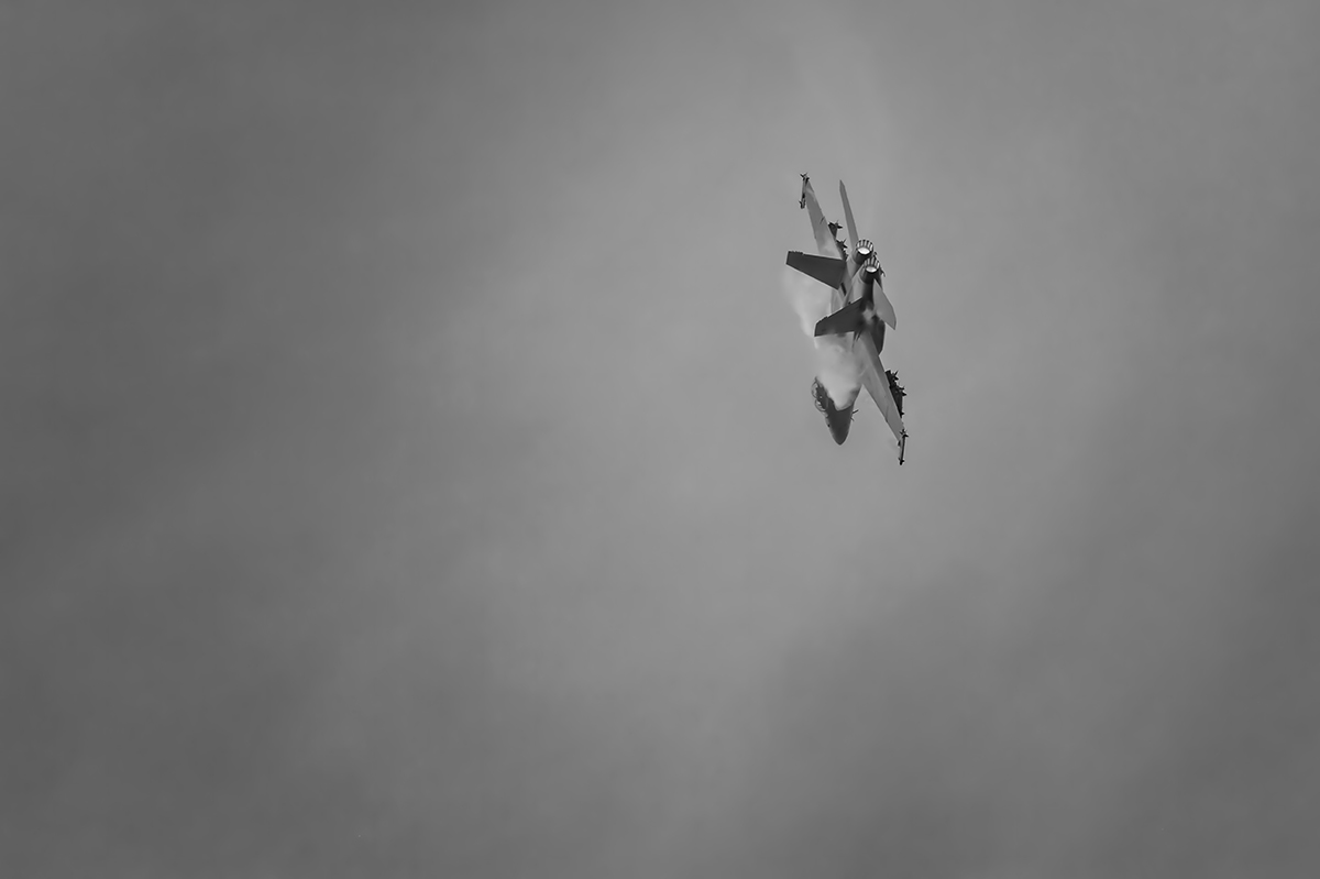 Aviation photography from RIAT RAF Fairford, EnglandUS Navy Boeing F/A-18F Super HornetImage no: 16-025541-bw   Click HERE to Add to Cart