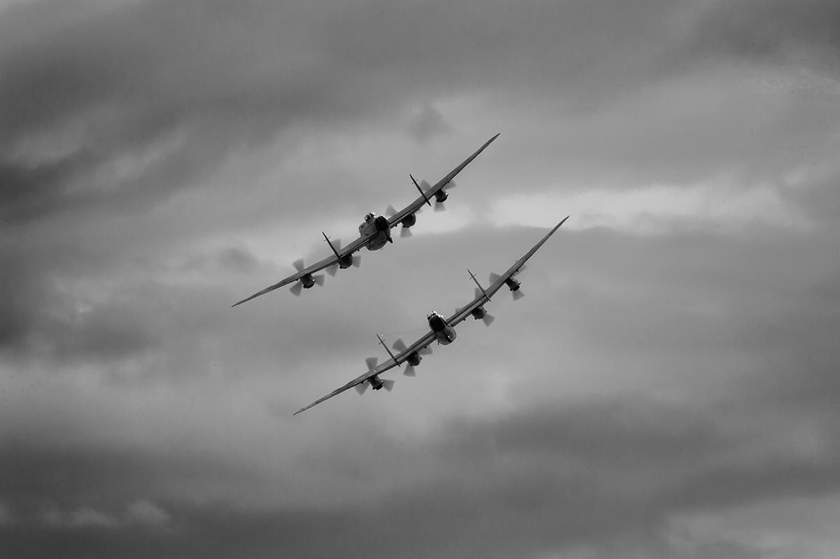 Avro-Lancaster-BBMF-Avro-Lancaster-CWHM-Eastbourne-RKing-14-019586-BW-vv