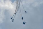 Blue-Angels-F-A-18-Hornet-Boeing-12-018039-vv