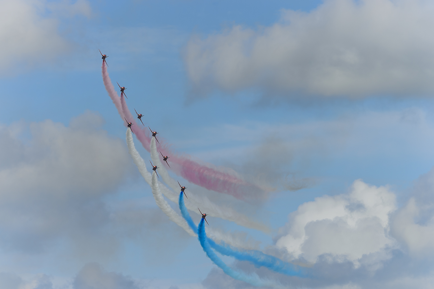 Red-Arrows-RAF-Aerobatic-Team-Eastbourne-RKing-14-018521-vv