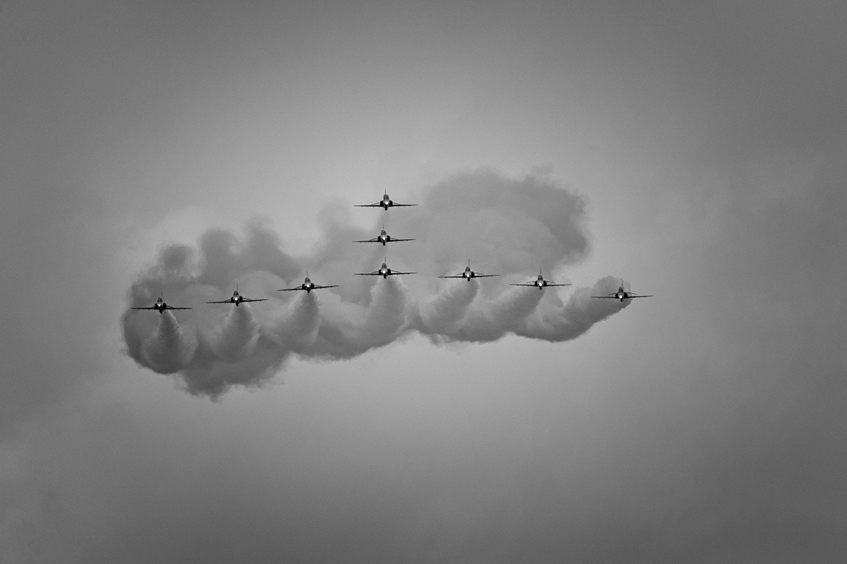 Aviation photography from RIAT RAF Fairford, EnglandRoyal Air Force Aerobatic Team, British Aerospace Hawk TrainersImage no: 16-023844-bw  Click HERE to Add to Cart