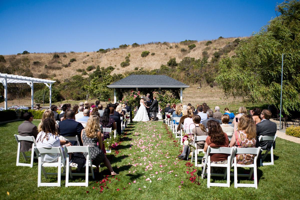 LDrown_20110903_01051_profile_bride_groom